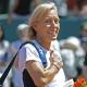 Navratilova: O juegan a tres sets o los sacamos en camilla