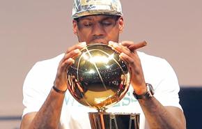 LeBron fue el rey de la fiesta en Miami