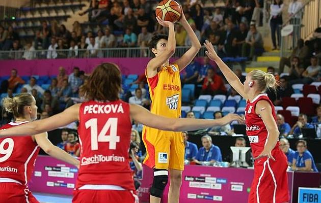 Torrens y Lyttle conducen a España a la lucha por las medallas