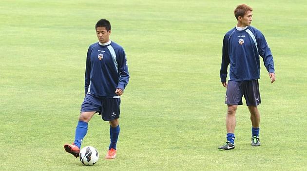 Sotan Tanabe, a la derecha, junto a su compatriota Hiroki Kawana / Joma (Marca)