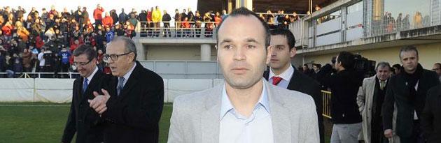 Andr�s Iniesta evita el descenso del Albacete