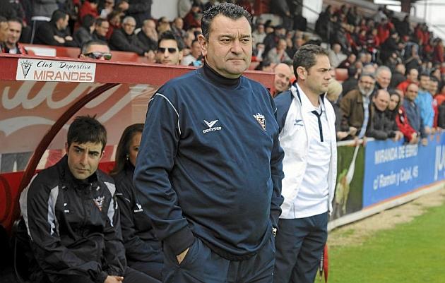 Carlos Pouso deja de ser entrenador del Mirand�s