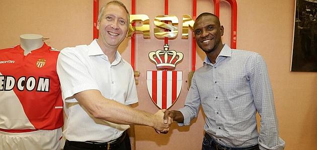 Abidal, nuevo jugador del Mónaco / IMAGEN DEL TWITTER DEL AS MONACO