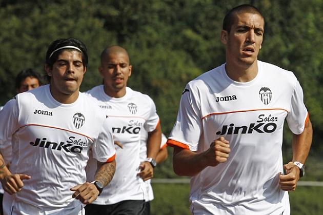 Oriol Romeu ya suda la camiseta del Valencia