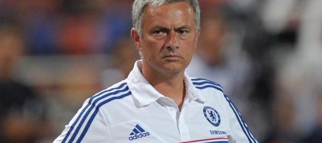 Mourinho: Queremos a Rooney, hicimos una oferta y ahora le toca al United