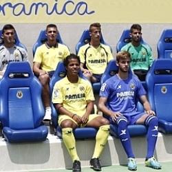 El Villarreal presenta sus camisetas