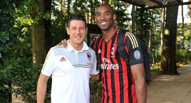 Kobe Bryant, 'rossonero' de coraz�n, sorprende al Milan con una visita a Milanello