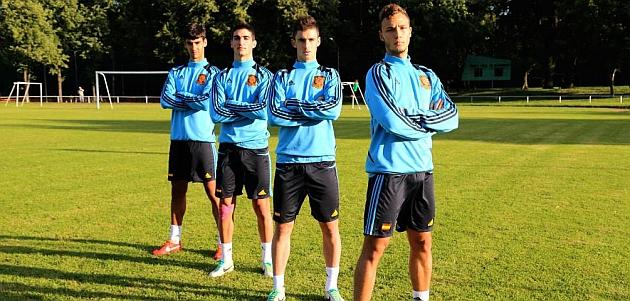 Julio, Borja López, Jaime y Pablo Iñiguez, centrales y 'torres' de la selección / DAVID M. DE ALEGRÍA  @sefutbol
