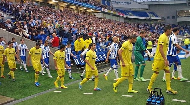 Los jugadores de Villarreal y Brighton, saliendo al campo. / FOTO: Villarreal CF