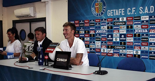 Toni Muñoz, durante la presentación de Alexis en Getafe / Emilio Cobos (Marca)