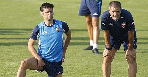 Hélder Postiga y Paco Herrera, en un entrenamiento de este verano / Toni Galán (Marca)