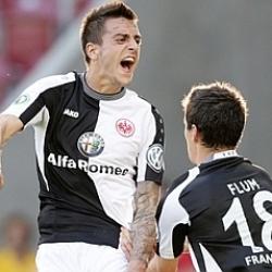 Joselu se estrena con el Eintracht de Frankfurt