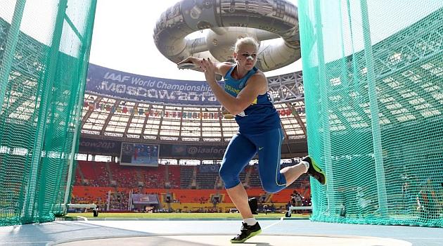 Una lanzadora de disco rompe involuntariamente la nariz a Semenova