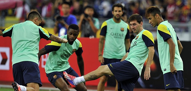 Bar�a wrapping Messi  in cotton wool