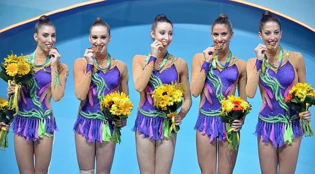 Al podio con diez mazas de oro