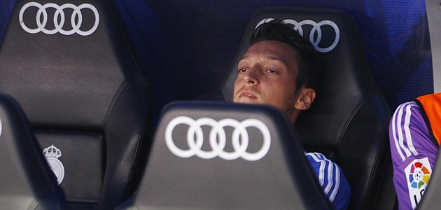 Özil off to Arsenal for ¤50 million