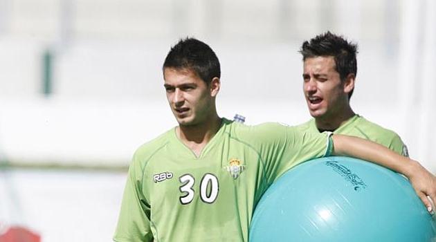 El Murcia incorpora al delantero Sergio Le�n