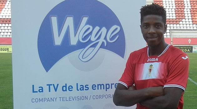 Malonga, presentado como nuevo jugador del equipo grana / Web del Real Murcia
