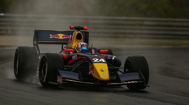 Espectacular remontada de Carlos Sainz en Hungaroring