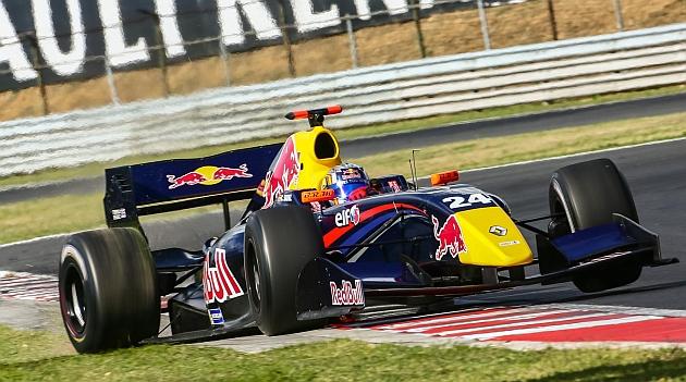 Abandono de Carlos Sáinz en la última vuelta en Paul Ricard