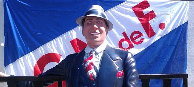 Carlos Gardel est� en el Parque Central