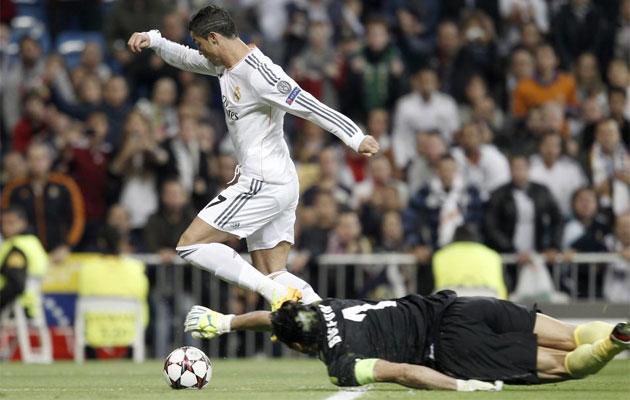 CR7 scores his seventh Champions League goal