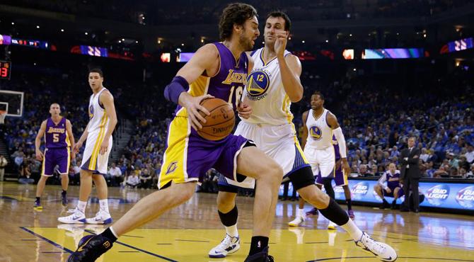 Pau y los Lakers borran su buena imagen y caen con estr�pito ante el equipo m�s divertido de la NBA