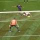 Otra de Mu�iz: se trag� un gol con la mano de Rodri