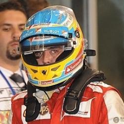 Alonso se someterá a más pruebas en su espalda
