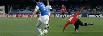 Ex jugadores del United critican a Young por tirarse en Anoeta