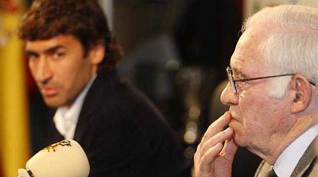Luis Aragonés: A Raúl le dije que Villa y Torres rendían más que él y no lo aceptó