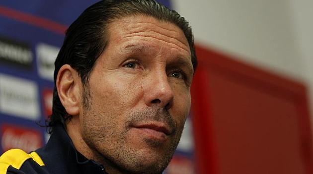 Simeone, durante una rueda de prensa con el Atlético. CHEMA REY