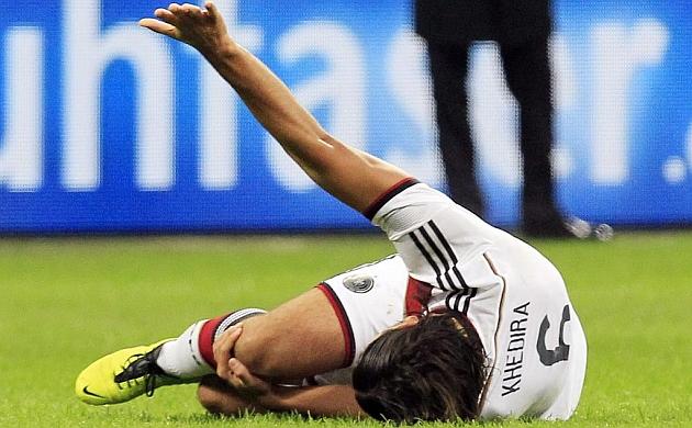 Khedira se lesiona la rodilla derecha