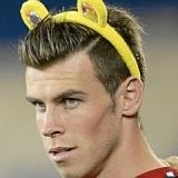 Bale lució orejas de juguete por una buena causa