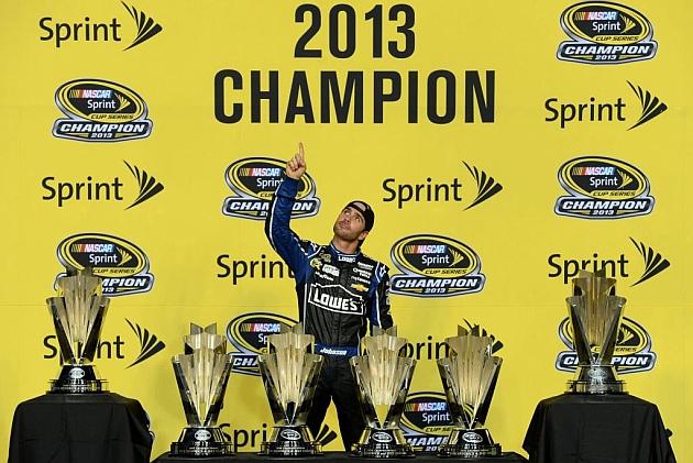 Jimmie Johnson gana por sexta vez la NASCAR