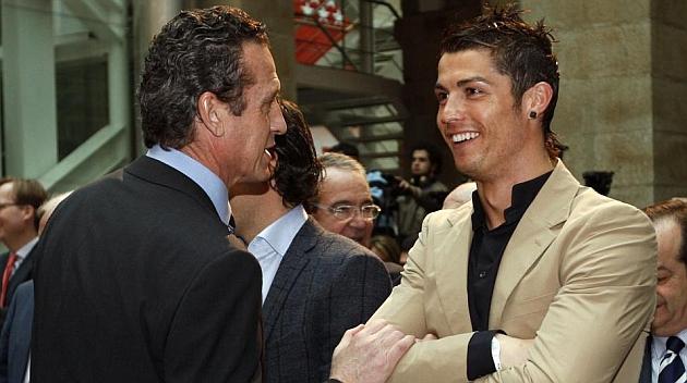 Valdano: Messi no compite por lesi�n, Rib�ry es terrenal y Cristiano es extraordinario