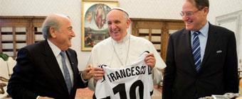 El Papa Francisco recibe en audiencia a Sepp Blatter