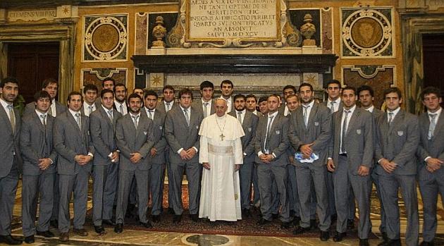 Los 'Pumas' posaron con el papa Francisco en el Vaticano / Foto Unión Argentina