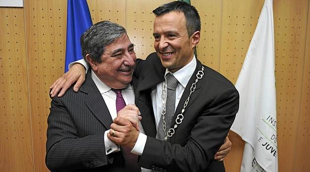Lendoiro se abraza con Jorge Mendes / Foto Gestifute Media