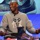 Kobe Bryant no reaparecerá el viernes en Sacramento: Siento las piernas como 'Bambi