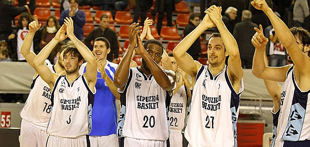 Gipuzkoa Basket se lleva de Manresa una victoria a base de triples