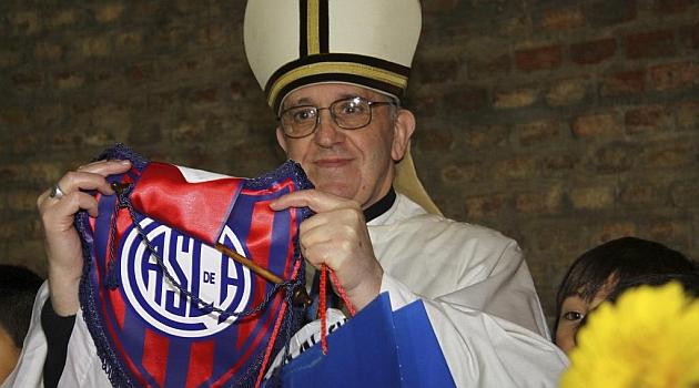 Romario invita al Papa Francisco a un Congreso de fútbol