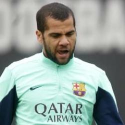 Alves no llega a tiempo para jugar ante el Villarreal