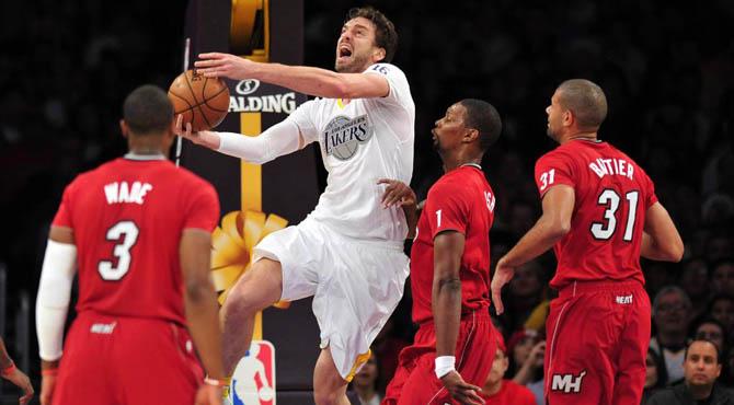 Los Lakers no sobreviven a LeBron pese al buen partido de Pau (13+13) y el festival de Young