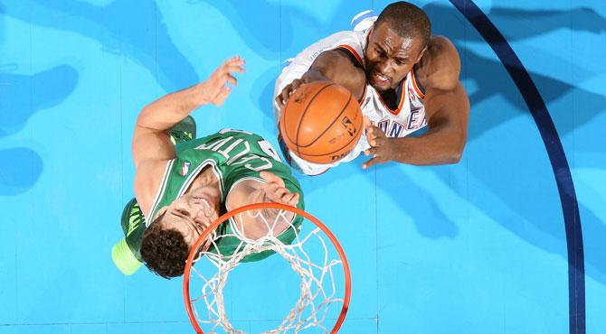 Doble-doble de Ibaka ante los Celtics en la noche de Reggie Jackson