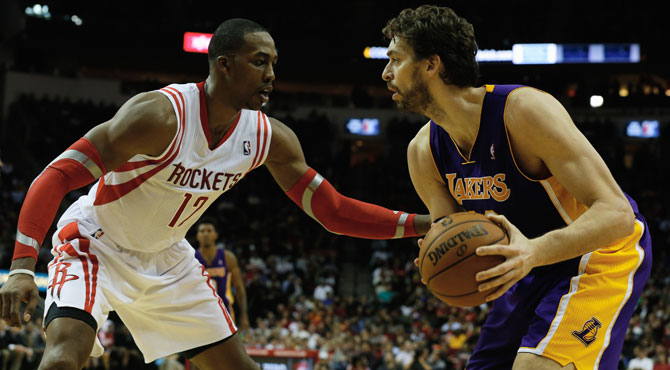 Pau Gasol sigue abonado al doble-doble, aunque los Lakers pierden en Houston