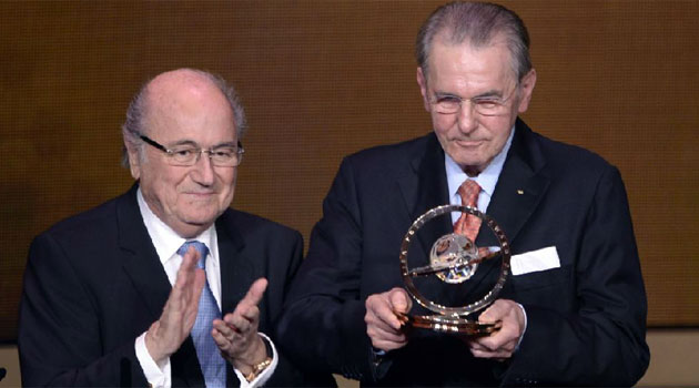Jacques Rogge wins FIFA Presidential Award