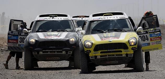 Peterhansel da un vuelco al Dakar