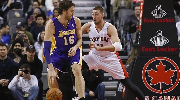 22 puntos de Gasol y remontada de los Lakers en Toronto
