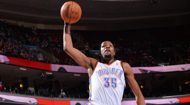 Ibaka (25+11+5) se cuela de rond�n en la fiesta del triple-doble de Durant